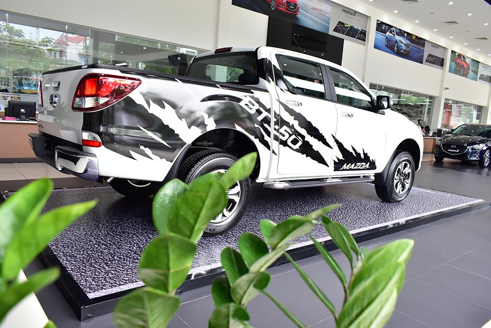 Mazda BT-50 2018 có nhiều trang bị an toàn